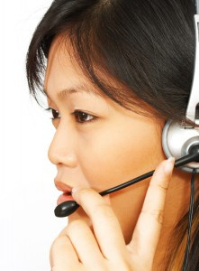 operator-on-the-phone-using-a-headset_MJ73oEvd